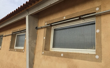 Detalle de ventanas abatibles